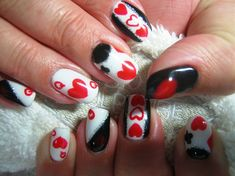 Alice in Wonderland by Diamond_Nails - Nail Art Gallery nailartgallery.nailsmag.com by Nails Magazine www.nailsmag.com #nailart