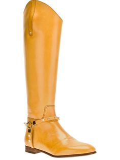 never thought I would like a pair of yellow boots until I spied these Luis Onofre boots