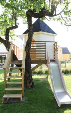 This is awesome; a swing set and a tree house! This is awesome; a swing set and a tree house! Backyard Playground, Backyard For Kids, Backyard Projects, Tree House Playground, Backyard Swing Sets, Kids Swing Sets, Swing And Slide Set, Kids Yard, Natural Playground