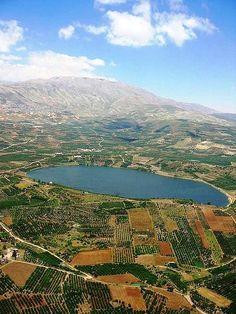 Lake Ram near Mount Hermon in the northeastern Golan Heights, Israel Heiliges Land, Mount Hermon, Terra Santa, Israel Palestine, Palestine People, Visit Israel, Sea Of Galilee, Israel Travel, Israel Trip