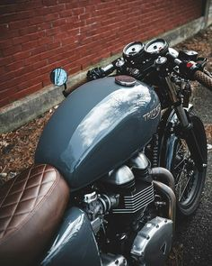 The at it again with this stunning shot of their bike Triumph Motorcycles, Indian Motorcycles, Triumph Cafe Racer, Vintage Motorcycles, Thruxton Triumph, Custom Motorcycles, Cafe Bike, Cafe Racer Bikes, Cafe Racer Motorcycle