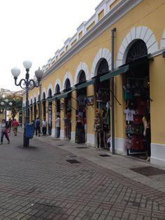 Mercado Público de Florianópolis. Foto tirada pela rua Conselheiro Mafra.