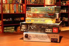 Je vais tenter de vous aider à trouver de bons jeux à jouer (et surtout à rejouer!) en couple.