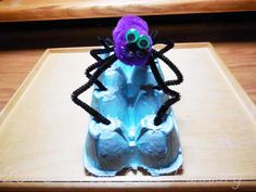 DIY Spider Egg Carton Craft and Directions