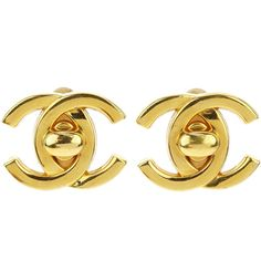 Pre-owned Chanel Vintage Gold CC Turnlock Earrings (€280) ❤ liked on Polyvore featuring jewelry, earrings, chanel jewelry, chanel earrings, earring jewelry, gold jewelry and yellow gold earrings
