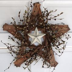 Country Primitive Wooden Star with berries and by nyflowerchic, $22.00