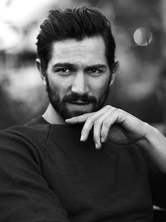 Okay, this is the Dutch guy who plays Liam in Nashville! Michiel Huisman who is also in Game of Thrones ;) Gorgeous..