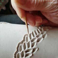 Ceramic Texture, Clay Texture, Ceramic Techniques, Pottery Techniques, Slab Pottery, Ceramic Pottery, Pottery Handbuilding, Pottery Classes, Pottery Tools