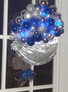 Items similar to Diva Wreath on Etsy Wreath Crafts, Diy Wreath, Diy Crafts, Christmas Time, Christmas Wreaths, Christmas Decorations, African Christmas, African Crafts, Holiday Centerpieces