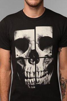 Fragmented Skull T-Shirt~ Skull Shirts, Tee Shirts, Street Style Vintage, Beau T-shirt, Shirt Stays, Great T Shirts, Personalized T Shirts, Tee Design, Cool Tees