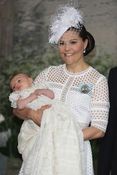 Princess Victoria Photos Photos - Crown Princess Victoria of Sweden and Prince Oscar of Sweden are seen at Drottningholm Palace for the Christening of Prince Oscar of Sweden on May 2016 in Stockholm, Sweden. - Christening of Prince Oscar of Sweden Princess Victoria Of Sweden, Crown Princess Victoria, Kate Und William, Die Queen, Victoria Fashion, Prince Daniel, Swedish Royals, Glamour, Royal House