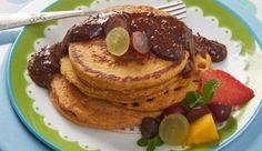 Panqueca integral de cenoura com calda de Chocolate em Pó DOIS FRADES e NESTLÉ Aveia Flocos Finos.
