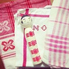 """""""・ red × white 可愛いの定番 #kokeshi #こけし #こけしEXPO #西荻イトチ #のりめっこけし #こけしとzakka"""" Photo taken by @no.ri.mekko on Instagram, pinned via the InstaPin iOS App! http://www.instapinapp.com (06/18/2015)"""