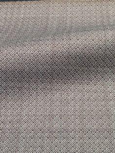 Ermenegildo Zegna: TRAVELLER 100% Super Fine Australian Wool gr250