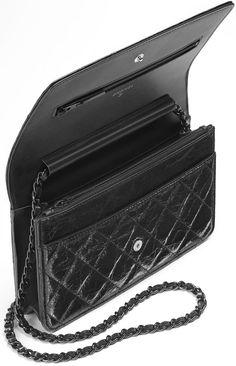 Chanel-Reissue-WOC-black-interior