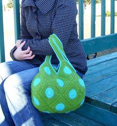 Crocheted bag - retro style