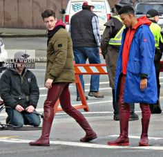 SHOOT: THE FLASH (Grant Gustin) & Kid Flash (Keiynan Lonsdale) in Downtown Vancouver