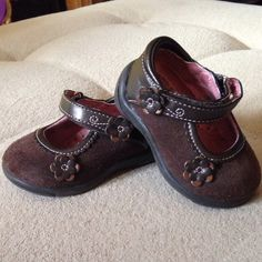 Found while shopping at TotSpot iPhone app : Size 3 brown Mary Jane baby shoes. Download TotSpot from the app store. Shop and sell kids fashion easily. #kidsfashion #stylekids #lilstylers #lilfashionista #kidsshop #kidsclothes #babyclothes #babyshop #babyfashion #shopmycloset