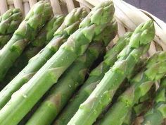 茄子嫌いさんにこそ食べて欲しい!この茄子、半端なく美味しい〜っ♡生姜焼き茄子《簡単★節約》 : 作り置き&スピードおかず de おうちバル 〜yuu's stylish bar〜 Asparagus, Vegetables, Food, Studs, Essen, Vegetable Recipes, Meals, Yemek, Veggies