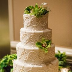 Four-Tier, Green and White Cake // Jake Holt Photography // Four Seasons Hotel Austin // http://www.theknot.com/weddings/album/a-outdoor-jewish-wedding-in-austin-tx-139540