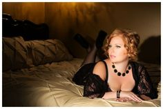 Kuvahaun tulos haulle boudoir photo poses for plus size