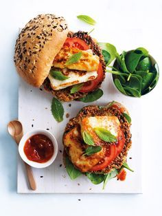 Quinoa Recipes that are Protein Packed Have a meat-free Monday with some super healthy quinoa and haloumi burgers.Have a meat-free Monday with some super healthy quinoa and haloumi burgers. Vegetarian Recipes, Cooking Recipes, Healthy Recipes, Vegetarian Barbecue, Vegetarian Cooking, Cooking Tips, Soup Recipes, I Love Food, Food Inspiration