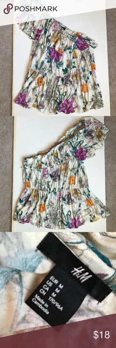 H&M one shoulder floral tank top H&M floral one shoulder tank top. Never worn. H&M Tops Tank Tops