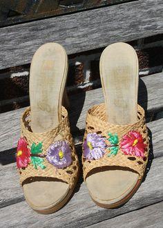 50% OFF Shoe SALE  Vintage 1970s Floral by VarietyVintagebyALD, SOLD