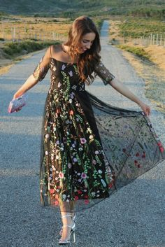 Awesome Mother of the Bride Outfits & Dresses Elegant Dresses, Pretty Dresses, Beautiful Dresses, Vintage Dresses, Mom Dress, Dream Dress, Lace Dress, Dress Outfits, Fashion Dresses