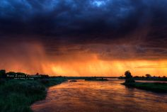 Oranje River, South Africa - Sunset and rain over the Oranje River at Upington (South Africa)