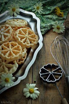 Swaying Flower Cookies, Kembang Goyang# Indonesia snack