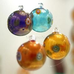 Christmas balls from our store:   http://www.murano-store.com/shop/dettview_l2.php?id=3040
