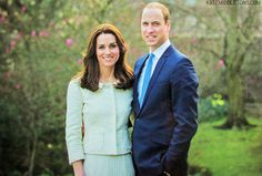 William and Kate unveiled new portrait on thank you cards to well wishers on 5th anniversary, 5/2016
