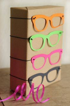 Dress up specs - 5 easy gift-wrap ideas for kids' presents | Growing Spaces