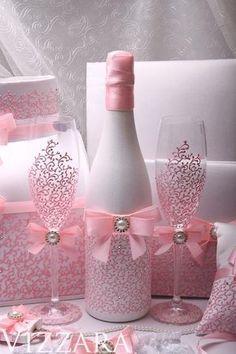 Diy Bottle, Wine Bottle Crafts, Bottle Art, Glitter Wine Bottles, Alcohol Bottle Crafts, Glitter Glasses, Glass Bottles, Money Box Wedding, Card Box Wedding