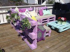 diy-L-shaped-purple-pallet-sofa-with-planter.jpg (720×540)