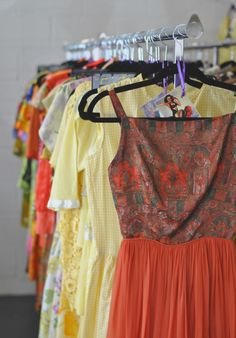 We love the wonderful, hard-to-find vintage pieces at Fashion by Robert Black in Downtown Scottsdale! Read our interview with store owner Robert and get his tips on how to wear vintage and what's in this season. We Wear, How To Wear, Vintage Shops, Phoenix, Vintage Outfits, Interview, Summer Dresses, Store, Tips