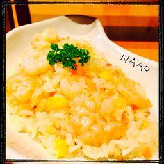 ♥️フライパンで、海老、玉ねぎ、米、コーン、人参をバターで炒めてから、炊飯器で炊き上げます。これ、簡単で美味しいです 忙しい日にピッタリです!残ったら、ドリアにしようと思ってたのに残らなかった〜(笑) - 149件のもぐもぐ - ♥️炊飯器で簡単♥️海老ピラフ by naohayuka224