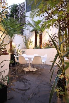 Slideshow image Small Gardens, Outdoor Furniture, Outdoor Decor, Sun Lounger, Architecture Design, Toy, Image, Home Decor, Chaise Longue
