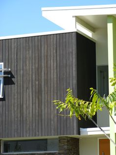 Newport-Cladding-Spotted-Gum-coated-in-Black-Ash-Gold-Coast-22.jpg 1,000×750 pixels