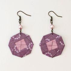 """Boucles d'oreilles """"médaillon"""" origami violettes de la boutique LatelierdIsabo sur Etsy"""