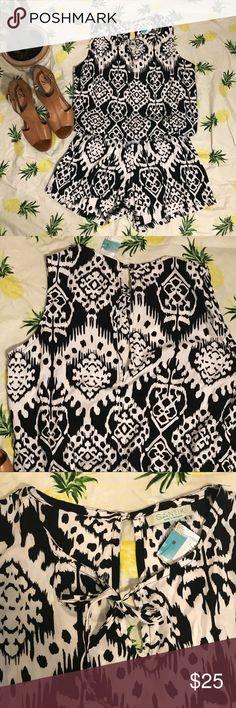 Santiki black /white pattern romper Gorgeous romper santiki Pants Jumpsuits & Rompers