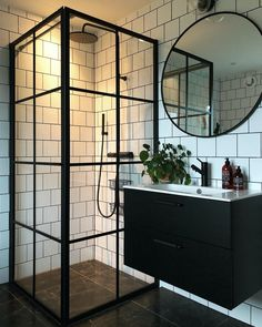 We love the two tone black and white look of this bathroom. Black White Bathrooms, White Bathroom Decor, Modern Bathroom, Small Bathroom, Industrial Bathroom Design, Bathroom Interior Design, Industrial Living, Dream Bathrooms, Beautiful Bathrooms