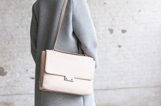 DENISE ROOBOL | Is a vegan bag and accessory brand from Rotterdam, the Netherlands. She combines minimalistic and functional design with vegan materials. Like this Road Bag - Nude - VEGAN Bag