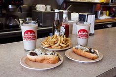 7 One-Of-A-Kind Eateries In Rhode Island And Massachusetts