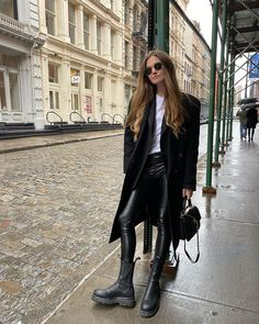 Cold Day Outfits, Winter Outfits, Cold Weather Fashion, Aesthetic Clothes, Autumn Winter Fashion, Outfit Of The Day, Casual, Fashion Beauty, Leather Pants
