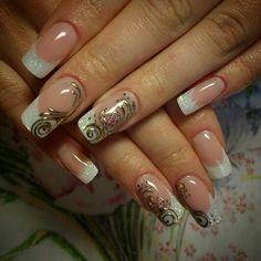 Наращивание ногтей. Белый френч. Дизайн ногтей - литье, жидкие камни