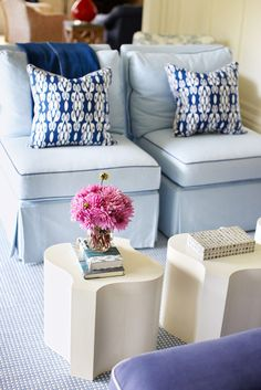 blue & white, love the chairs and pillow combo for sitting room in the master bedroom