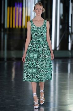 Jonathan Saunders SS12.#lifeinstyle #greenwithenvy