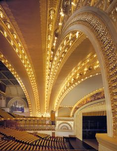Chicago Auditorium - I've seen musicals and ballets in this gorgeous theatre of the Windy City. Beautiful Architecture, Modern Architecture, Theatre Architecture, Commercial Architecture, Louis Sullivan, Chicago Architecture Foundation, Chicago School, Home Theater, Chicago School Of Economics